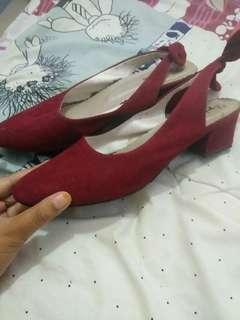 Sepatu preloved
