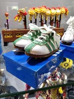 Adidas迷你波鞋擺設