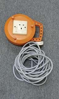 Single socket Extension cord with reel (9 metres)