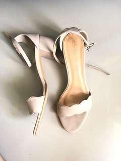 Nude Mini heels