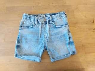 H&M牛仔短褲