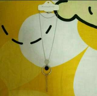BNWT Necklace