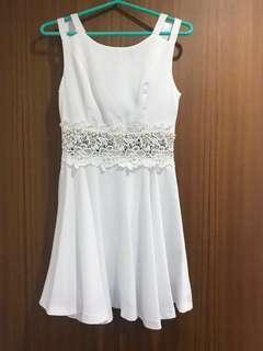 🚚 腰部鏤空蕾絲洋裝/伴娘服
