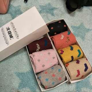 🚚 北極絨愛心襪子/長襪禮盒