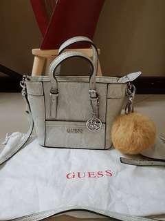 Tas Guess slingbag mini original preloved bekas second