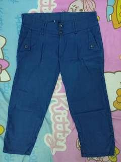 Celana blue