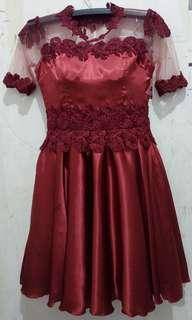 Dress pesta satin