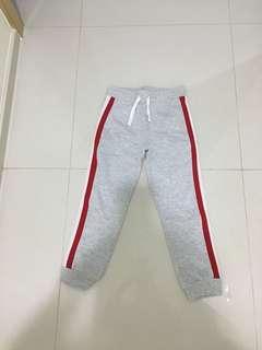 🚚 Long pants