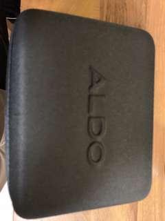 🚚 Aldo Shoes' water repellent spray