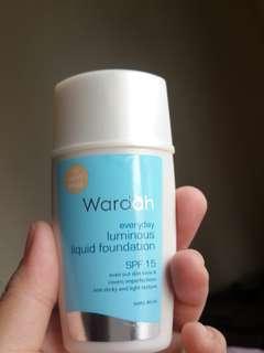 Wardah everyday luminous liquid foundation - light beige