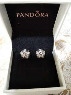 🚚 Pandora Dazzling Daisy Clips Charm