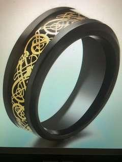 🚚 Tungsten Carbide Black / Gold Celtic Dragon Ring