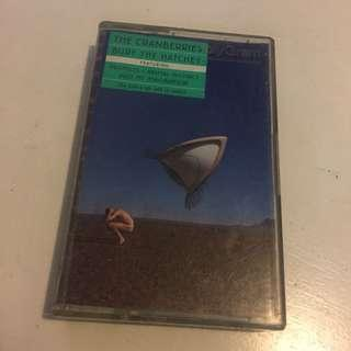 The cranberries bury the hatchet cassette kaset