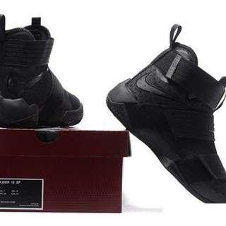 (代售)Nike Lebron Soldier 10 Ep Basketball Shoes Men All Black US10號/UK9號/28cm 全新拆封