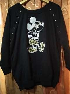 Sweater hitam micky mouse