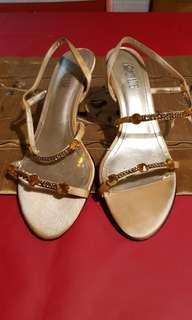 🚚 黃鑽水晶高跟鞋23.5號鞋