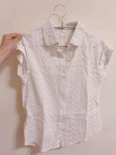 🚚 白色壓花短袖襯衫