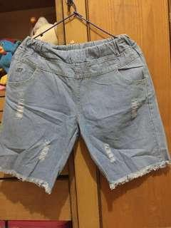 Celana Pendek jaman now