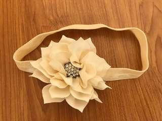 Offwhite Headband with Flower