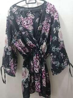 🚚 Kimono purple flower with bird print