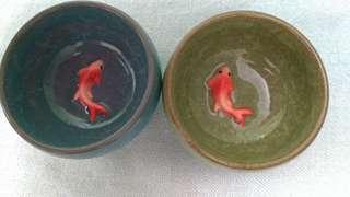 🚚 (買一送一)陶瓷杯中有金魚-附贈小玻璃魚缸