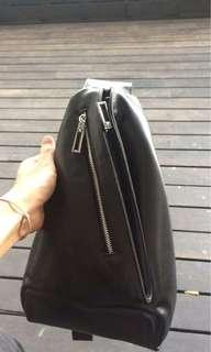 Pouch bag brand halo. Price still can nego