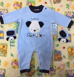 嬰兒連身衣及襪子