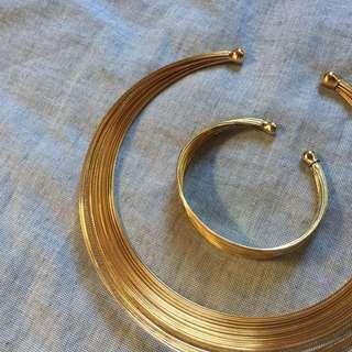 Necklace and bracelet set!
