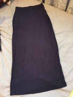 Fitted navy maxi skirt