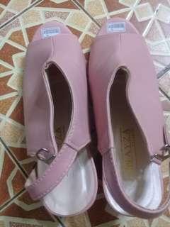 Buy 1 get free sepatu heels hak tahu free kerudung segiempat cantik