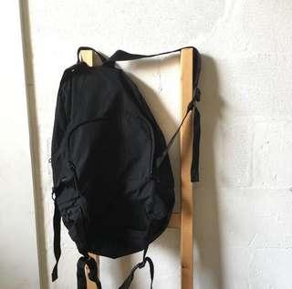 UNIQLO backpack(or)slingbag