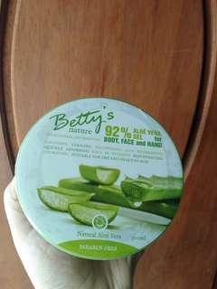 Betty's Aloe Vera Soothing Gel