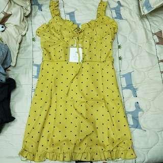 🚚 黃色點點吊帶洋裝