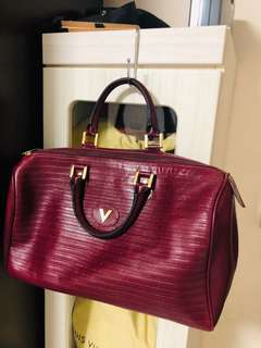 1d1e694c57e6 GUC Black Aigner handbag, Luxury, Bags & Wallets, Handbags on Carousell