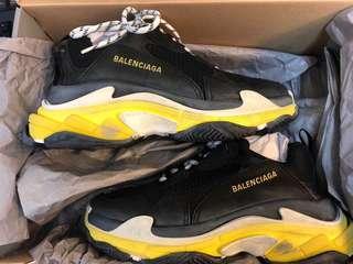 Balenciaga triple s 42 black with yellow