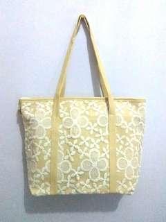 Totebag floral (tas wanita)