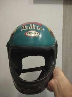 Helm full-face jadul merk vitara