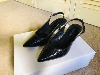 Black patent leather shoes - great for office outfit