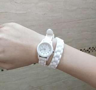 GUESS 白色繞兩圈手錶
