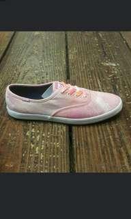 Ked帆布鞋