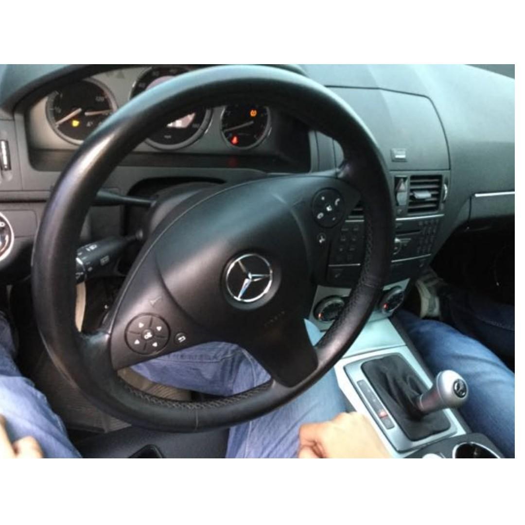 賣20.8萬 跑10萬多 2009年 Benz C300 需要其他照片可以加我LINE 或打電話來詢問 保養廠直接拍 剛保養玩而已喔