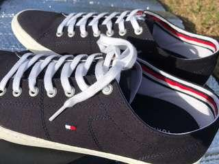 Tommy Hilfiger Men's Casual Shoes, Size 9 & 10