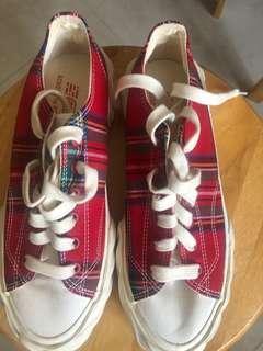 AEC格仔鞋(size 38.5)