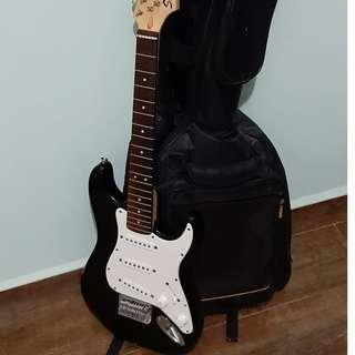 小朋友入門專用 Fender Squier Mini (Stringless)