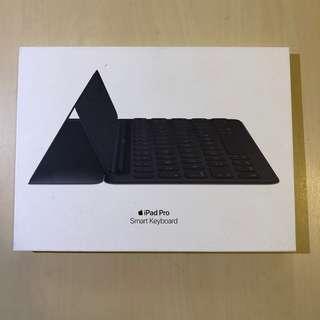 蘋果Apple原廠iPad Pro10.5平板專用經典型二代分離式鍵盤皮套組/原廠注音倉頡英文印刷按鍵