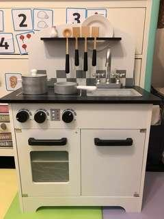 Kitchen for kids, accessories included (like new)