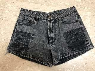 High waist black demin shorts