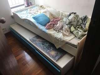 子母床 bed