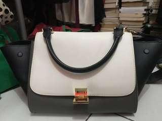 FIX PRICE❤️ KW good quality Celine Bag two tone black and grey ukuran kira2 30 cm