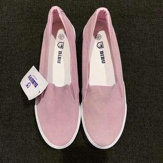 🚚 Pastel pink slip on flats / shoes | Size 39
